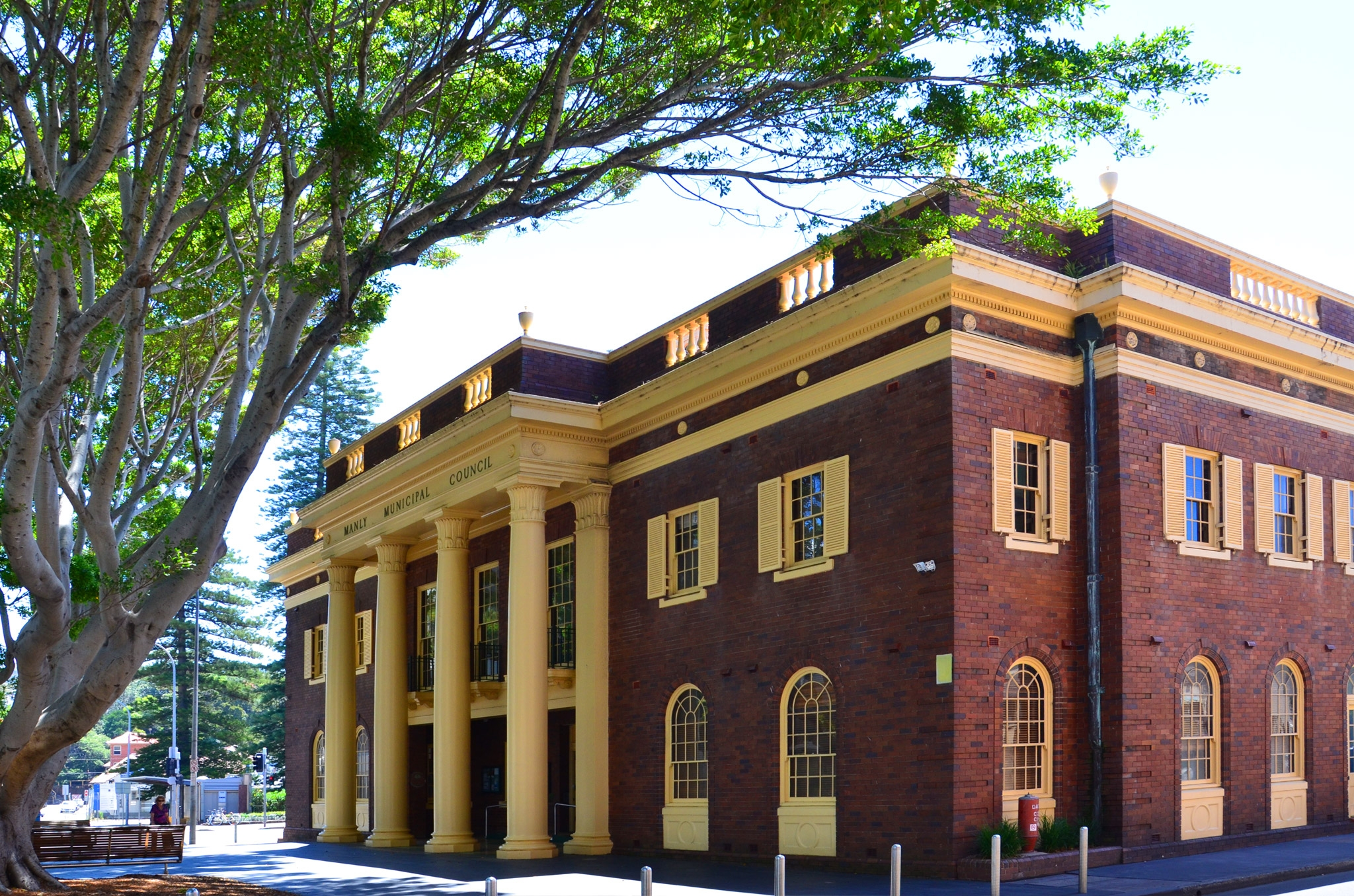 Manly Council Building - Image ©2014 ManlyAustralia.com
