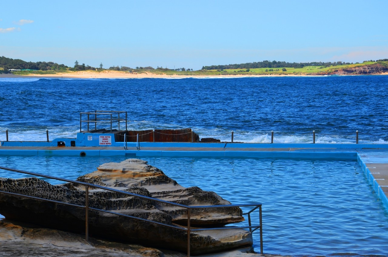 Dee Why Ocean Pool - Image �2014 ManlyAustralia.com